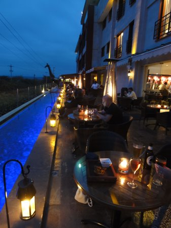 Ole Sereni: The outdoor bar area at night - lovely atmosphere