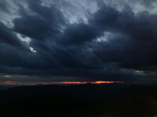 Alpinhotel Pacheiner: sun down