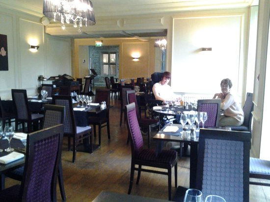 Best Western Plus Mosborough Hall Hotel: ordering evening meal