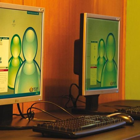 Hotel Ricadi: Sector de Internet