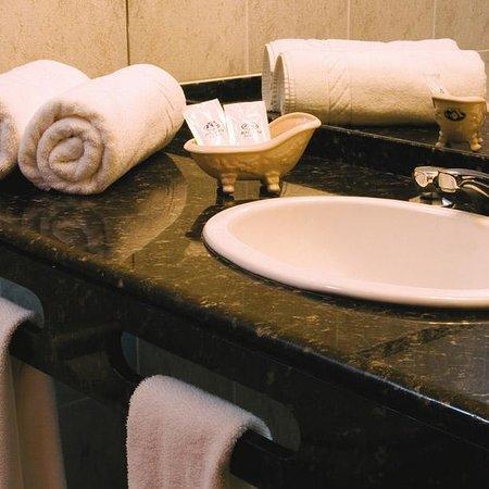 Hotel Ricadi: Baños