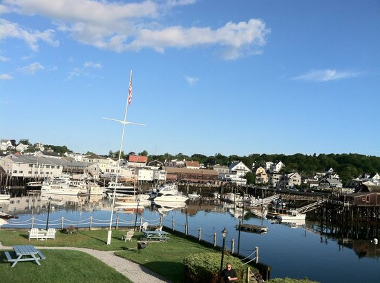 Boothbay Harbor Inn : The view from our room!