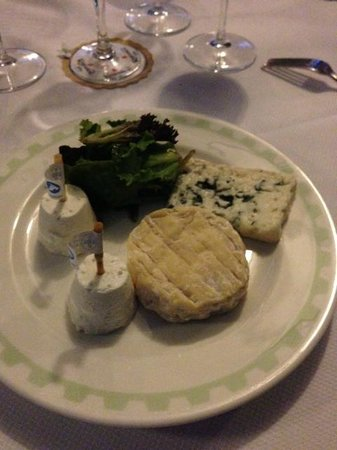 Brasserie L'Ouest : My boring cheese plate