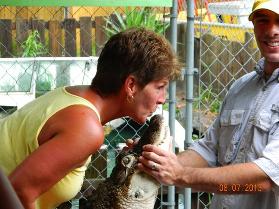 Airboat Adventure: Bubba kiss