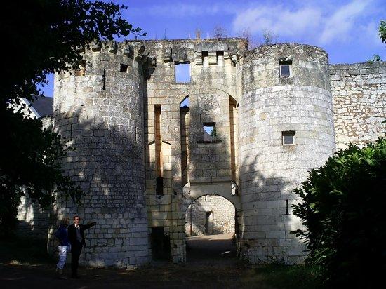 Chateau de la Roche Martel: le chateau du XVème