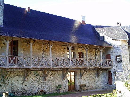 Chateau de la Roche Martel: une galerie du XVI ème siècle