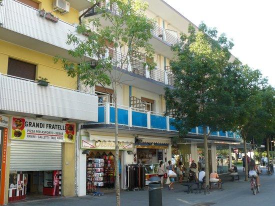 Hotel Myriam: Poggioli dell'hotel (quelli azzurri)
