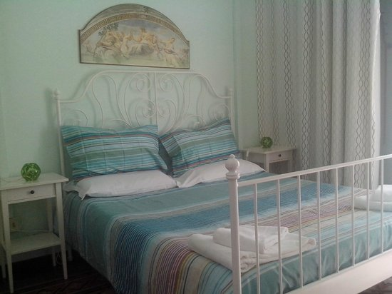 Carlo Alberto House Bed and Breakfast : Matrimoniale con bagno