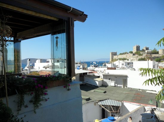 Mia Butique Hotel: View from the 3rd floor rooftop breakfast terrace