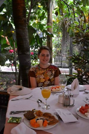Hotel Silberstein: Restaurante (parte cerrada). Desayunando