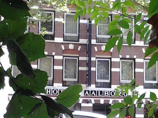 Aalborg Hotel Amsterdam: Desde Sarphatipark...
