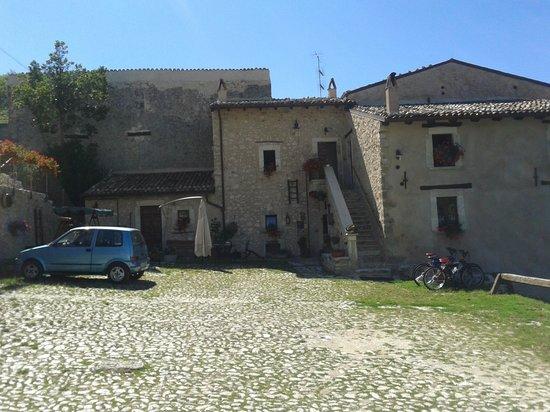 Le Dimore del Borgo - La casa su: Vista Frontale