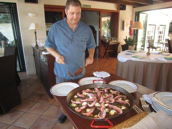 Sa Pedrera d'es Pujol: buena paella, servida por el propio cheff