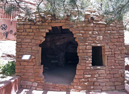 Manitou Cliff Dwellings : Cliff Dwellings