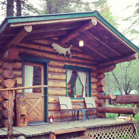 Alaska Creekside Cabins: Burl Cabin