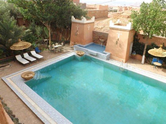 Hotel Kasbah Lamrani: La piscina