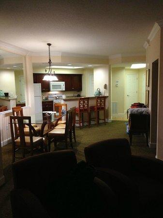 Grande Villas Resort: Kitchen from living room