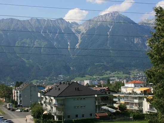 Hostel Marmota : Another mountain view scenery