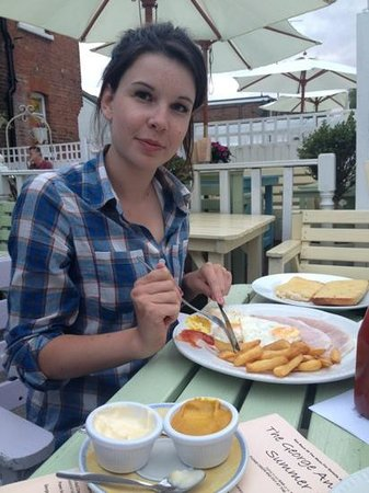 George & Dragon: ham egg and chips!