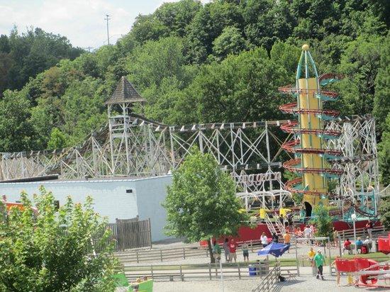 Lakemont Park: LEAP THE DIPS