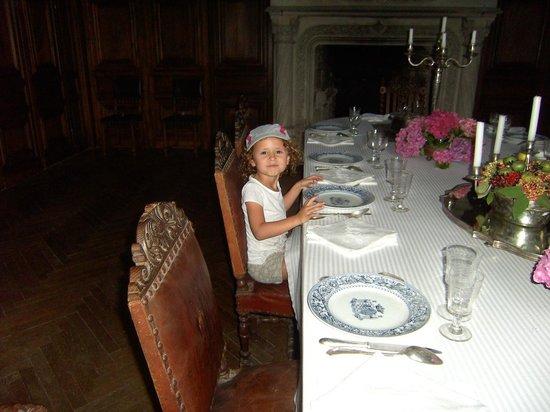 """Chateau de Bridoire: Une """"princesse"""" dans la salle à manger"""