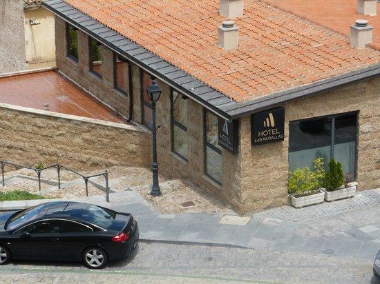 Hotel Las Murallas: Hotel gezien vanaf de muur
