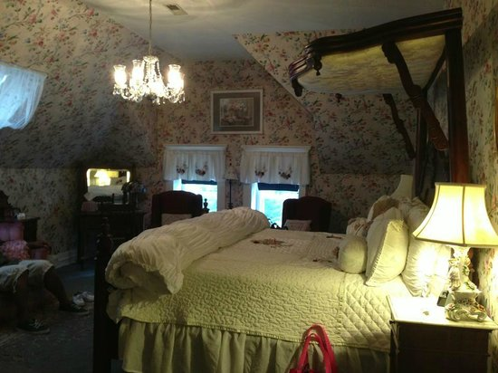 Central Park Bed and Breakfast: st james bedroom