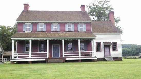 Fort Defiance, Lenoir, NC: Fort Defiance Plantation
