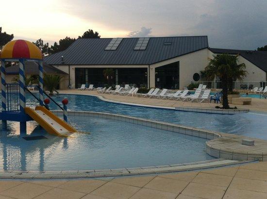 Yelloh! Village Mané Guernehué : piscine2