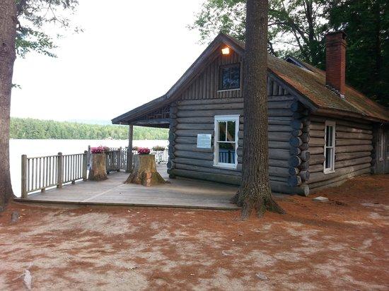 The Bethel Inn Resort: lake house