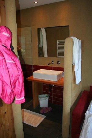 Hotel Diana Welschnofen: Doccia  e lavabo