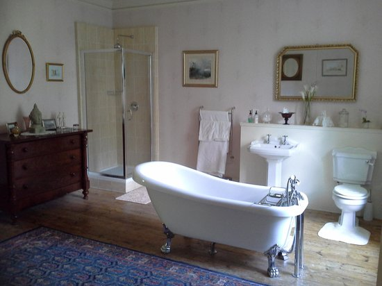 Durn House: chill out bath with a view