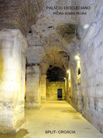 Diokletianpalast: Colunas e arcos da era Romana (Palácio Diocleciano)