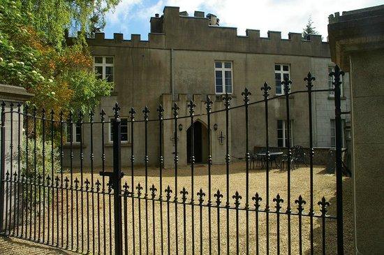 Carriglen B&B: Nearby Glanmore Castle