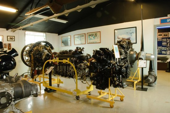 Solway Aviation Museum: Another view of the aero-engine collection