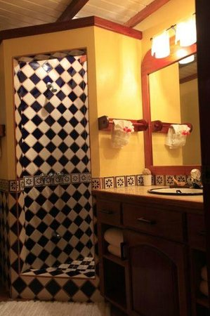 Casa Del Sol: Bathroom (a total of 4 bathrooms, one with each bedroom)
