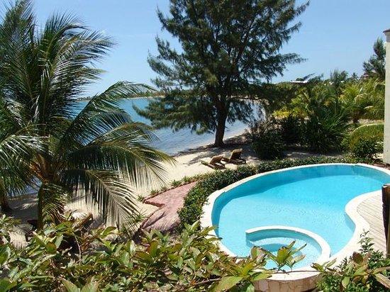 Casa Del Sol: Pool and Sea