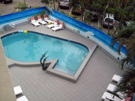 Tanoa Plaza Suva: Small hotel pool