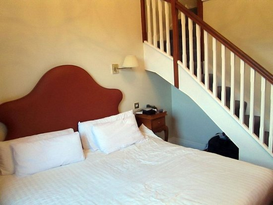 Pembroke Townhouse : Our Room