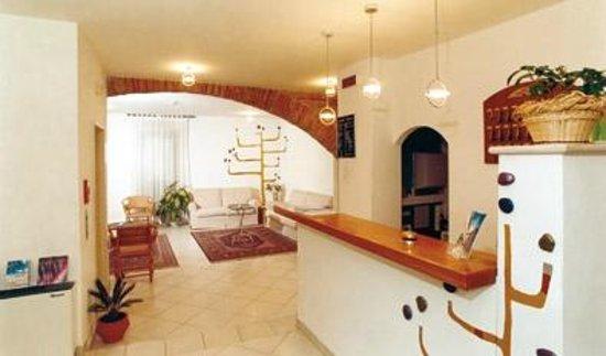 Hotel Tre Ceri: Hall