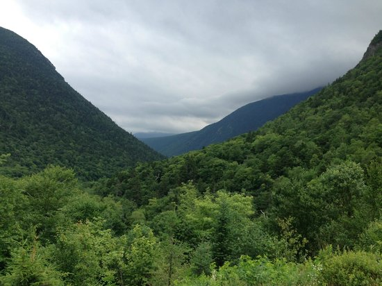Crawford Notch State Park : Looking at Crawford Notch from the north.