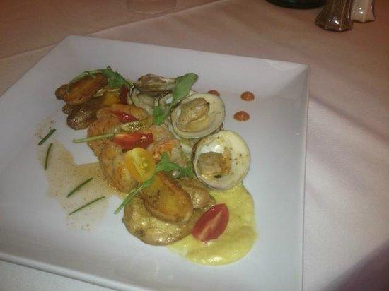 The Restaurant at the Golden Eagle Inn: Clambake!