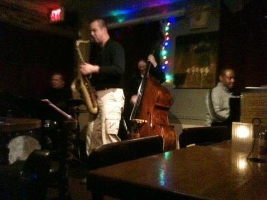 49 West Coffeehouse, Winebar & Gallery: Russo/ Shook 5tet