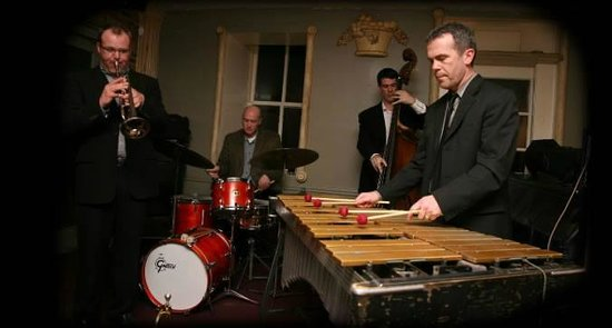 49 West Coffeehouse, Winebar & Gallery : Unified Jazz Ensemble