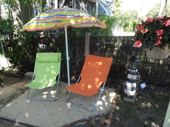 Emilia's Garden : How cute they have a mini beach area!