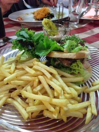 Hotel zum Hirschen : steak on toast