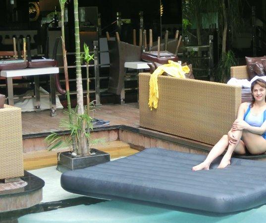ABC Hotel: pool