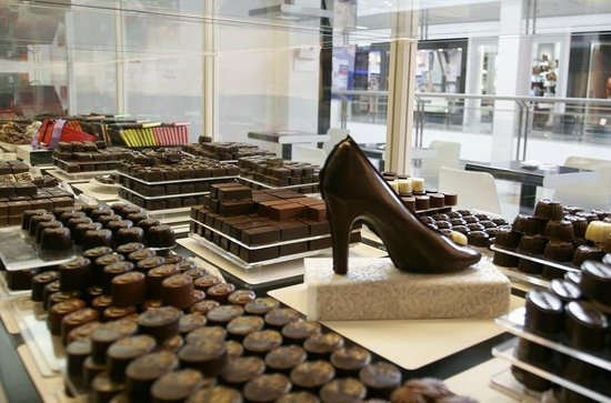 Adore Chocolat shop in Shopping Mall Usce