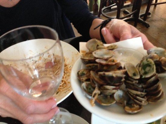 Pompa: Lots of clams!