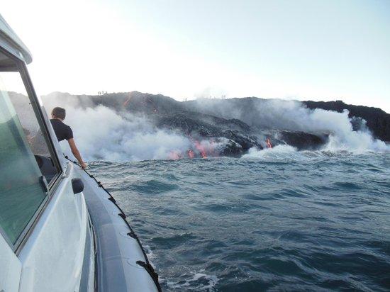 Lava Roy's Ocean Adventure Tours : Up close to the lava!